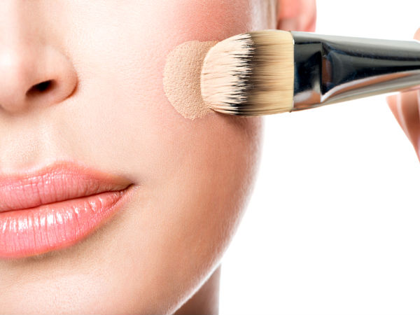How-to-Apply-Foundation-with-A-Brush-1